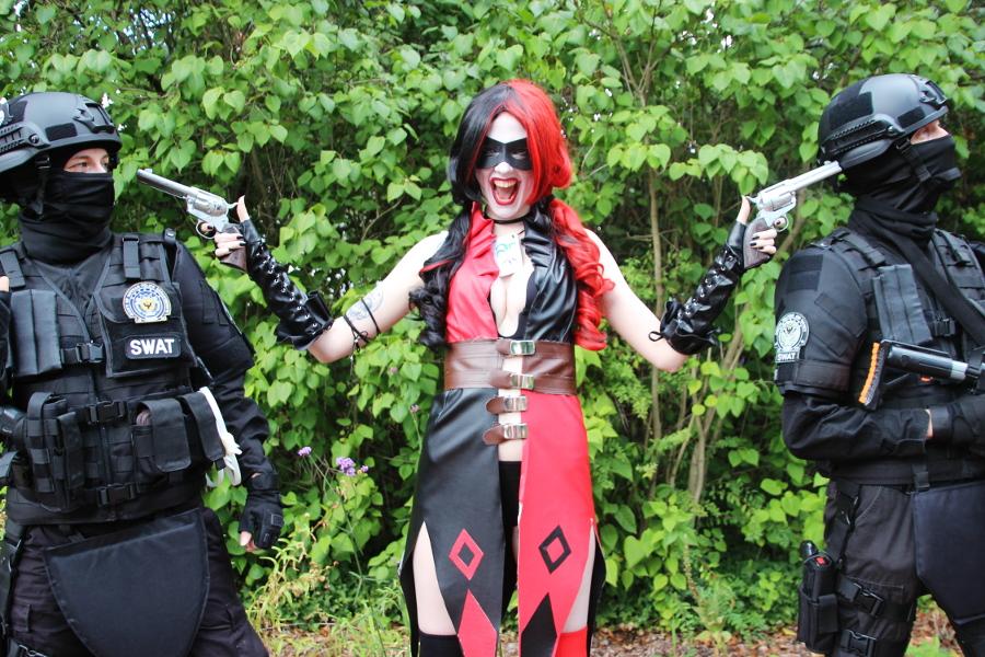 cosplay_harley_swat